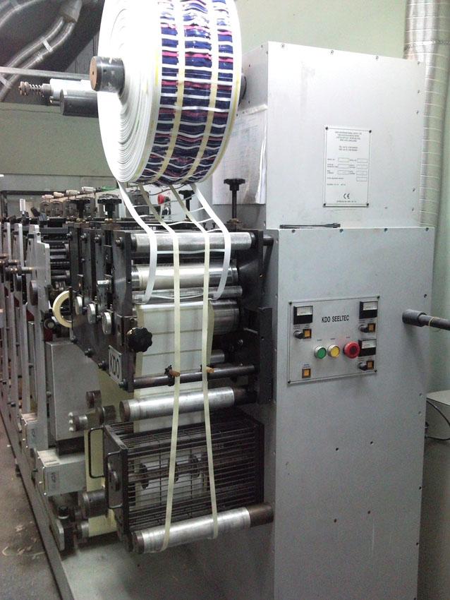 labels printing machine