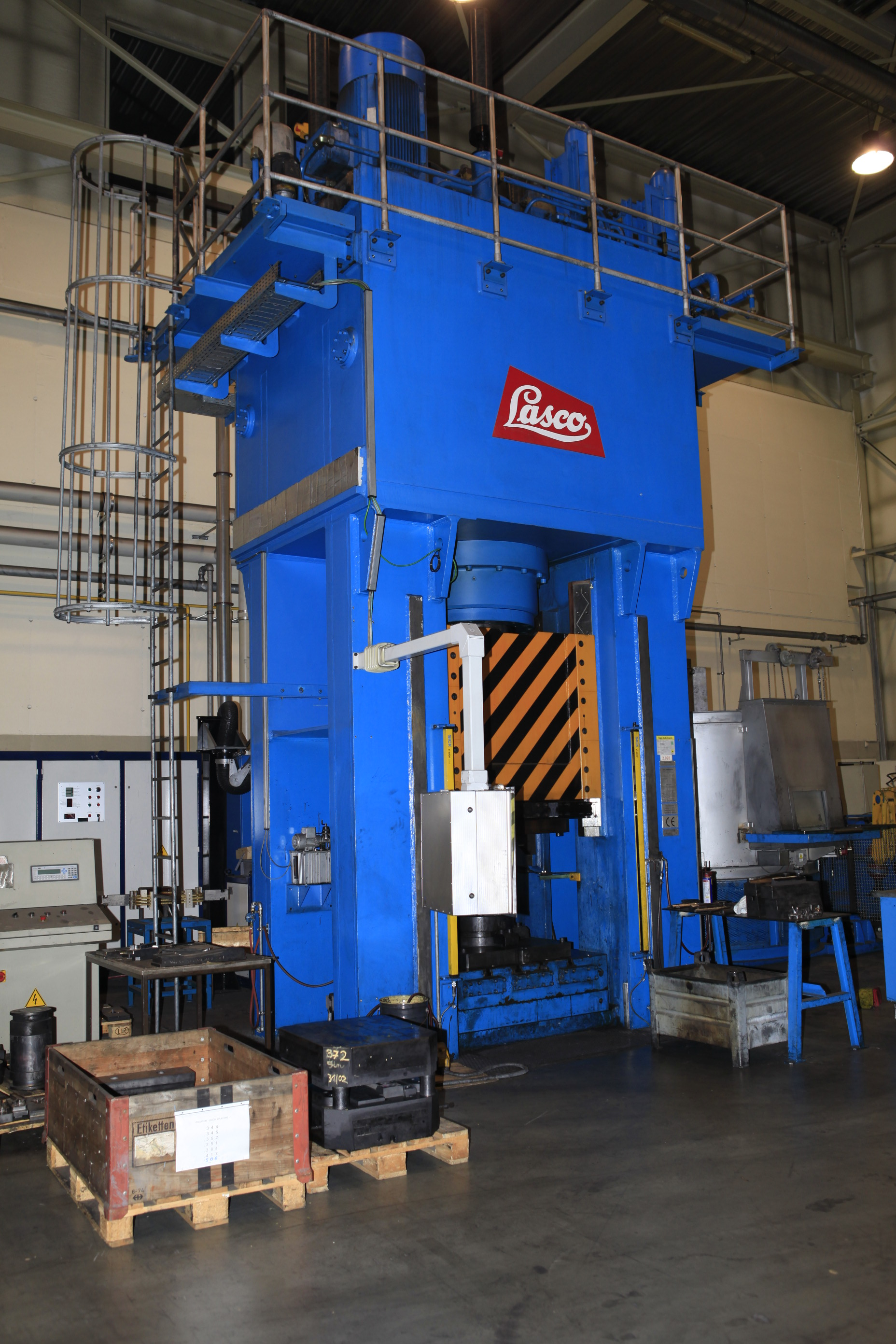 Used Lasco VPE 1000 hydraulic die forging press - Exapro