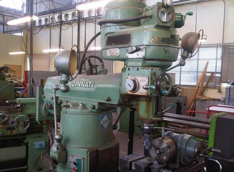 cincinnati toolmaster milling machine