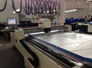 LECTRA SISTEME VECTOR 7000 V2 Automated cutting machine