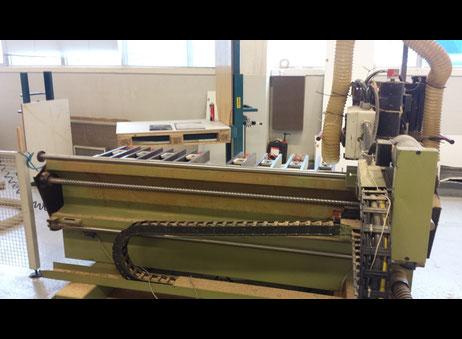 CNC machining center Rover 322 + Kawasaki robot + BIESSE ROVER 16 ...