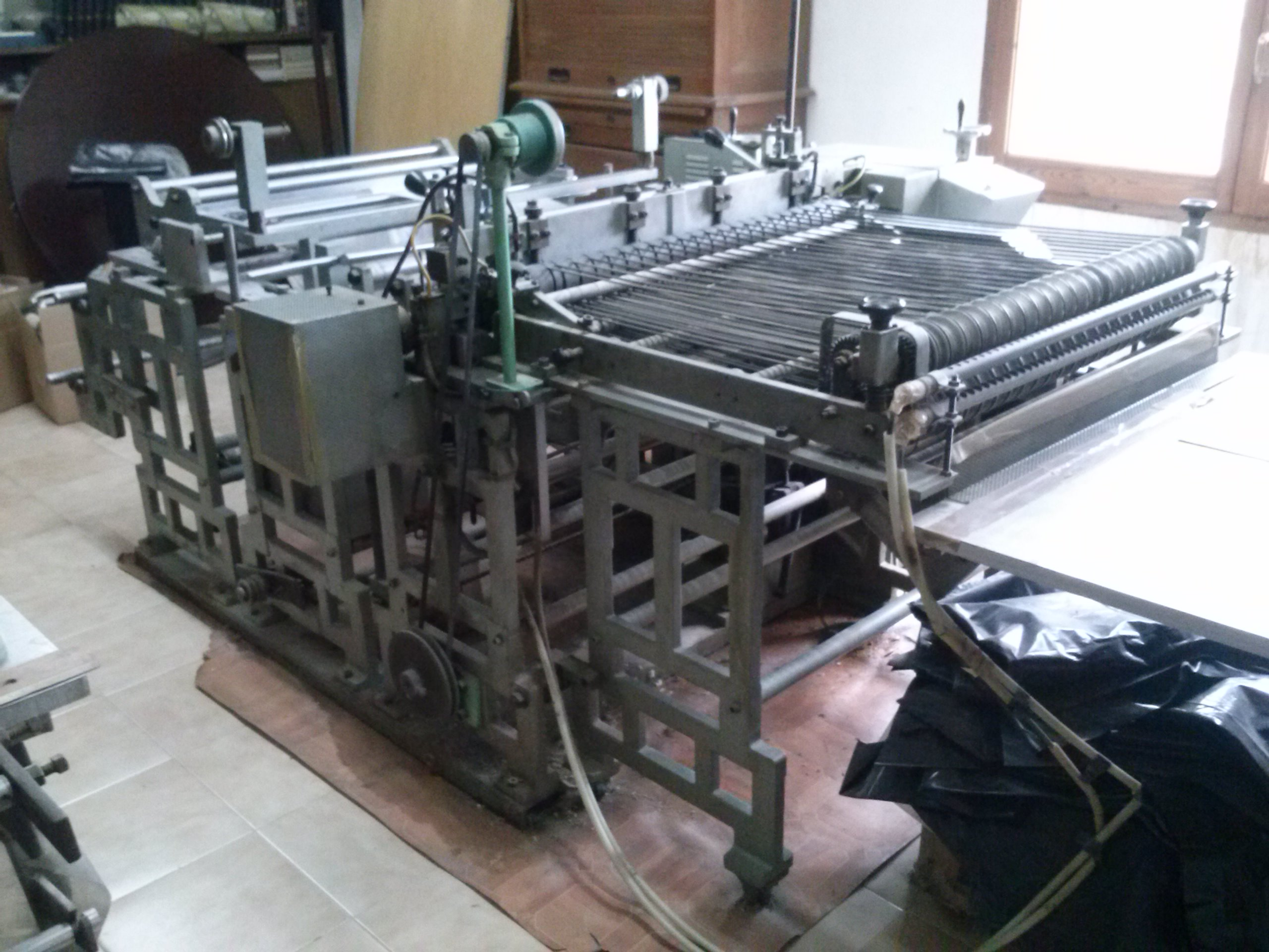 Indemo Cutting Machine For Plastic Bags Without Handles