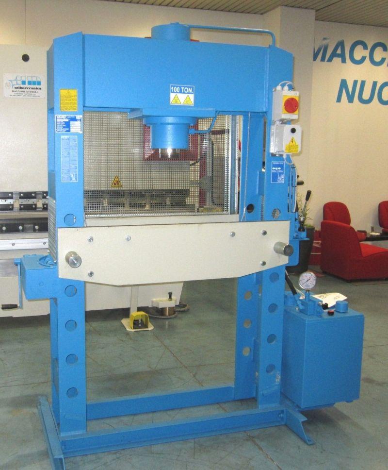 Pressa elettroidraulica a doppia velocita 39 omcn 164 r 100 for Pressa idraulica 100 ton usata