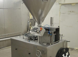 Machinen packaging machine for liquid or semisolid products