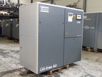Oiled screw compressor