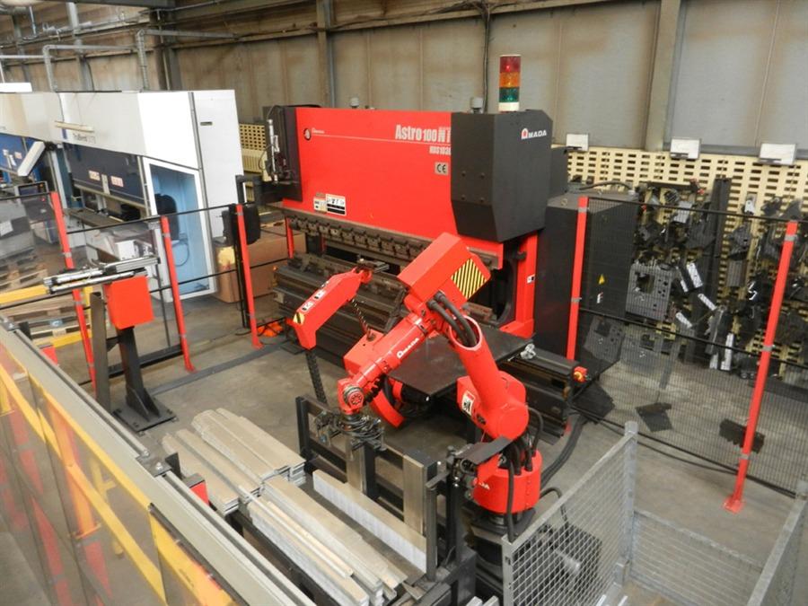 Cnc Machine For Sale >> Amada Astro 100T x 3220 CNC Robot bending Cell Press brake ...