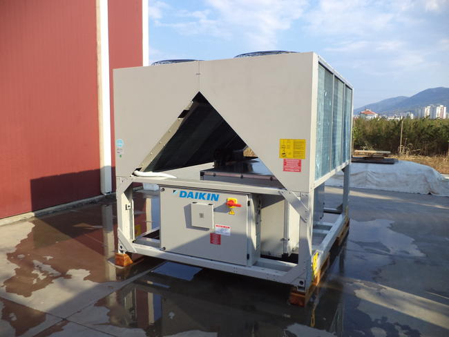 Air Cooled Water Chiller Daikin 350 Kw Daikin Exapro