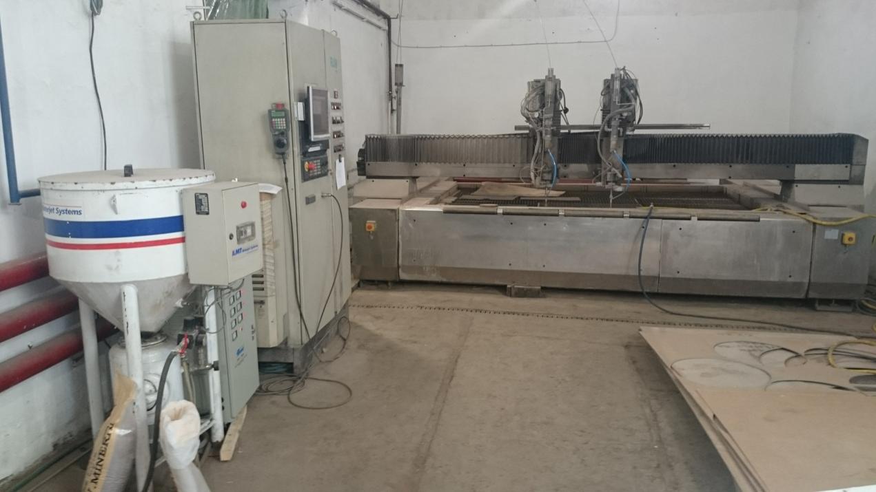 Maquina de corte con agua alta presion flow t11 maquinas - Maquina de agua a presion ...