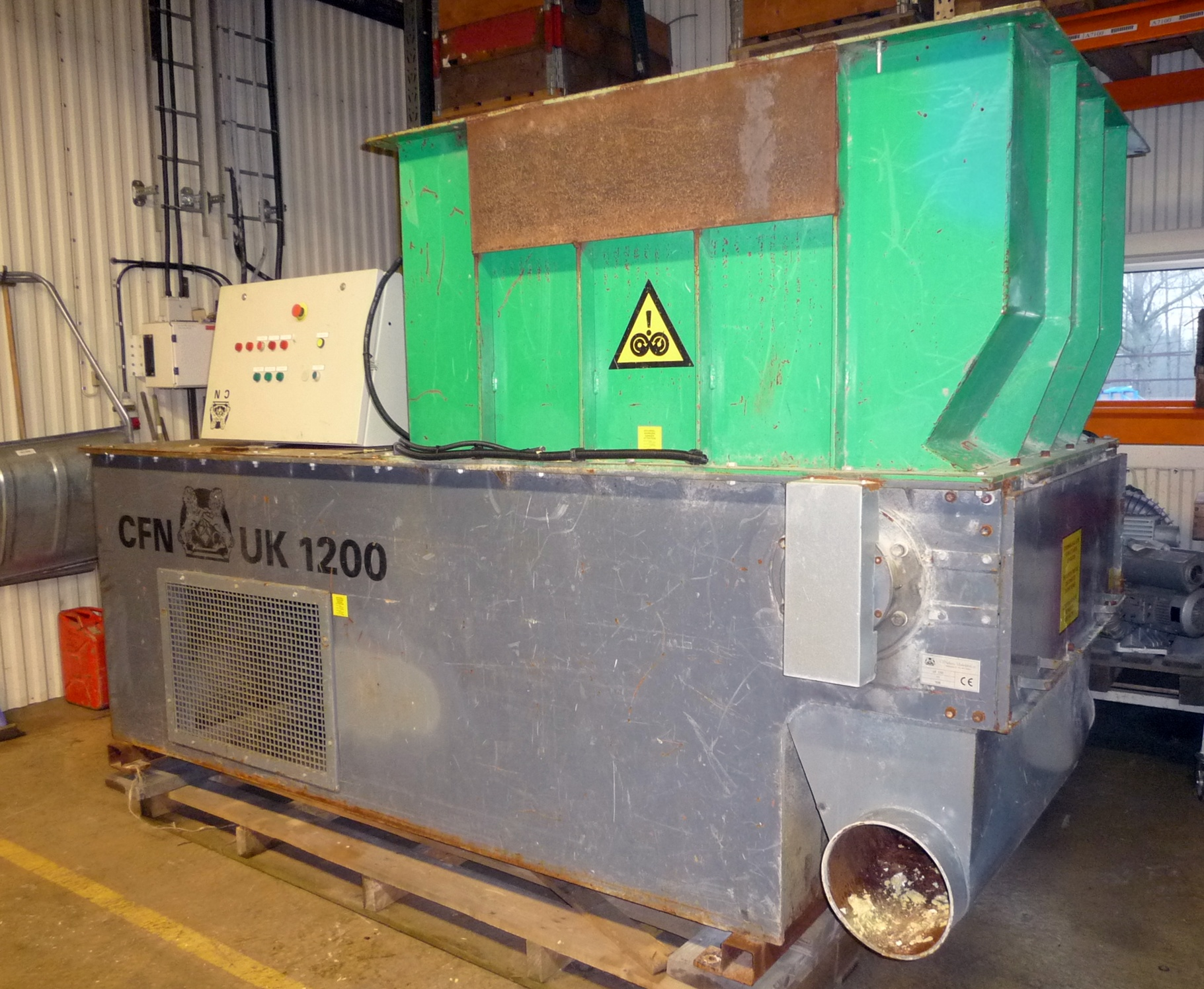 Broyeur bois c f nielsen uk1200 machines d 39 occasion exapro - Broyeuse a bois ...