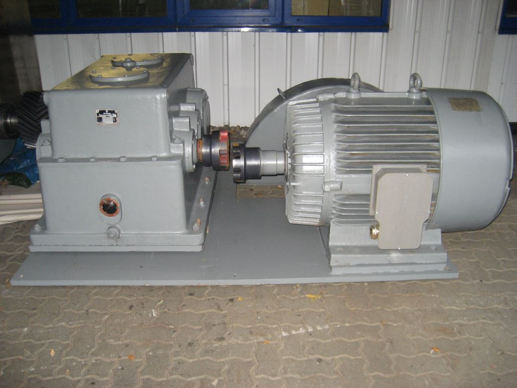 refiner machine