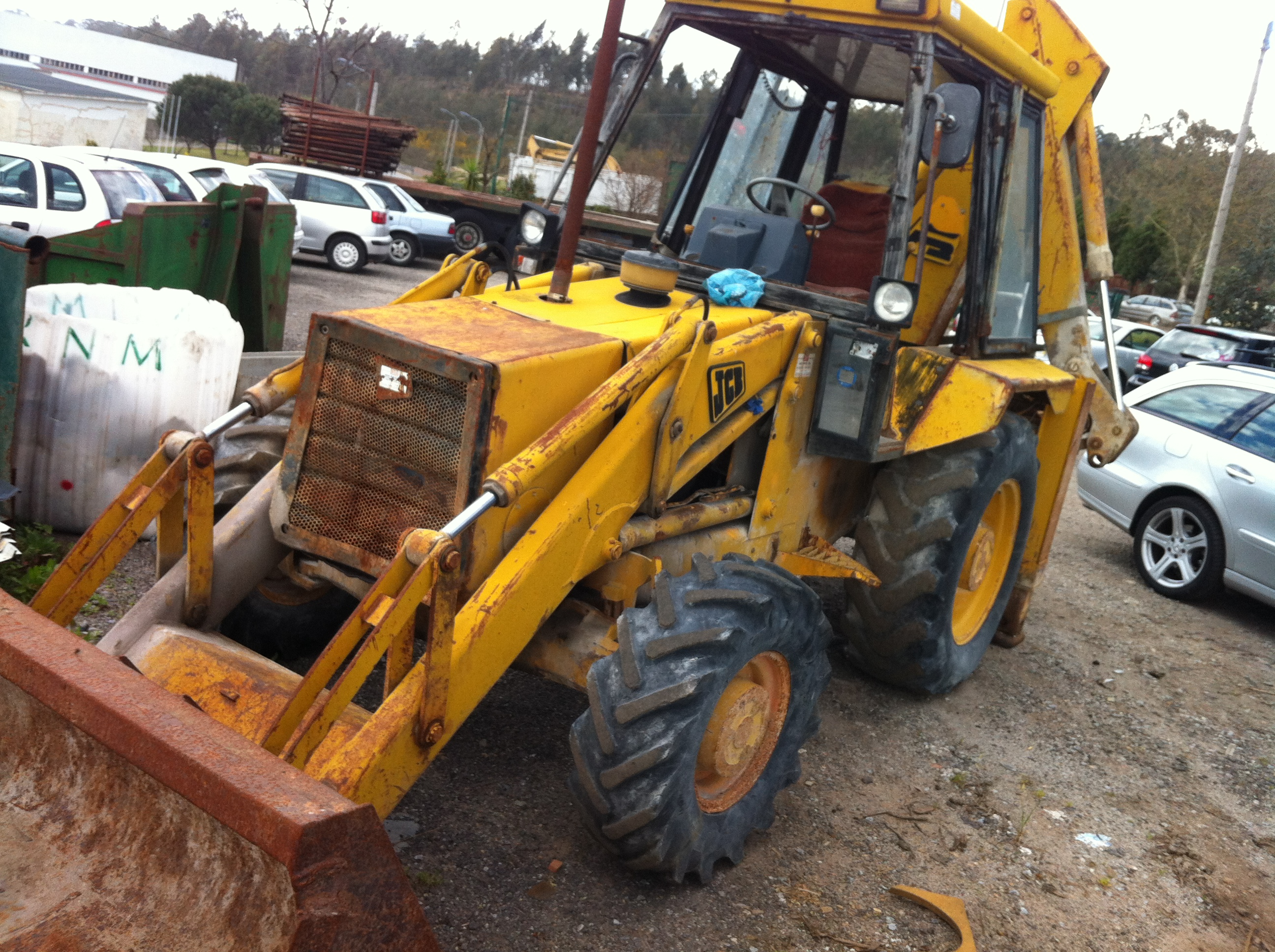 Sorry, this offer is no longer available on ExaproJCB 3CX-4/351393/P Excavator / Bulldozer / Loaders