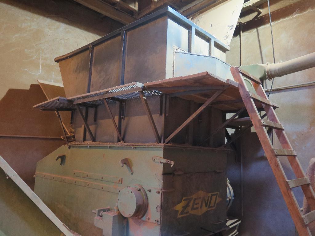 Broyeur à bois Zeno ZTLL 1200 x 1600 Machines doccasion