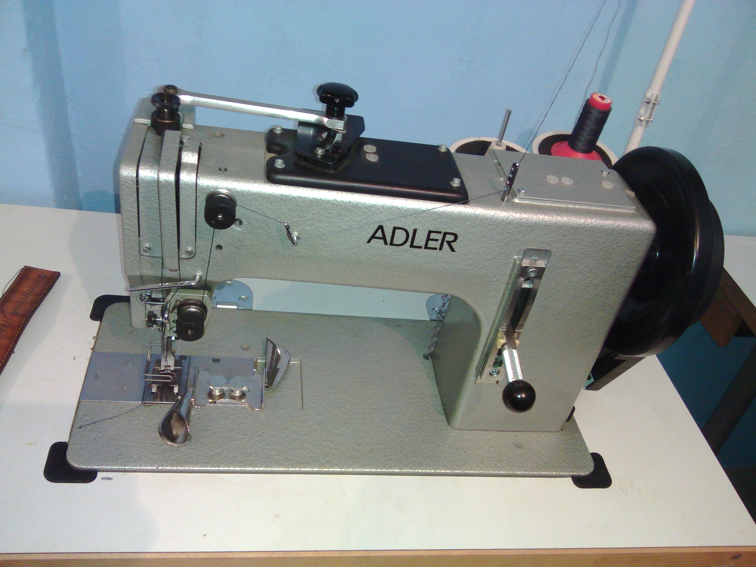 Durkopp adler adler 266 automatic machine exapro for Machine a coudre 85w