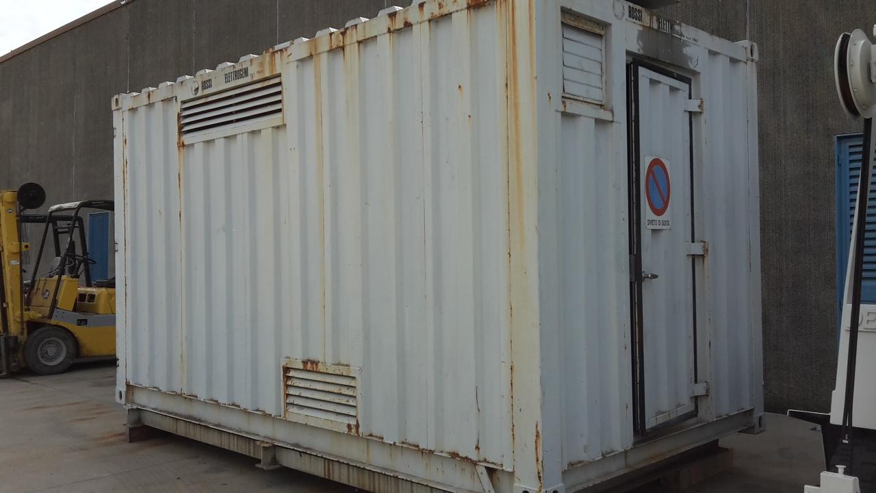 Gruppo elettrogeno rossi 200 kw 250 kva macchinari for Gruppi elettrogeni usati 10 kw