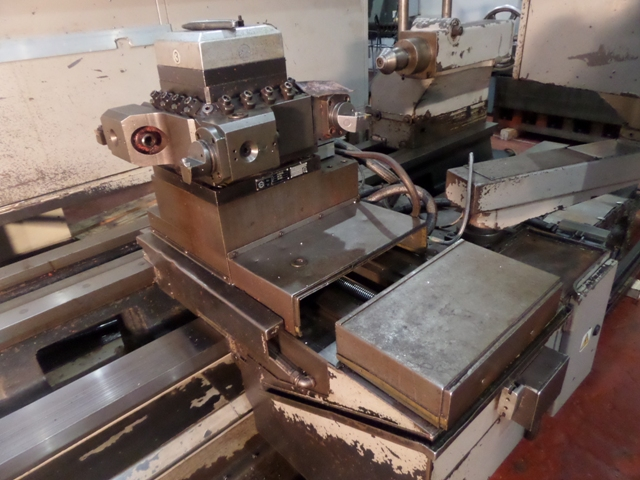 Binns and Berry Data 90 - 850 CNC lathe - Exapro