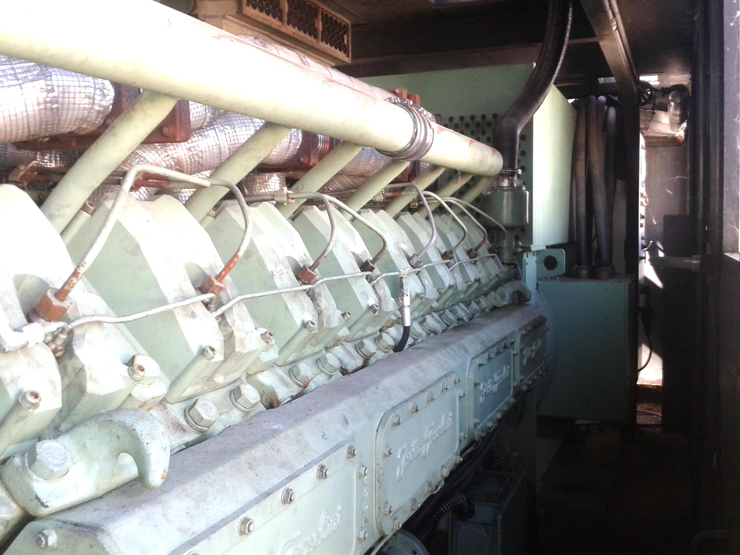Generatore corrente usato 1120 kw isotta fraschini for Generatore di corrente diesel usato