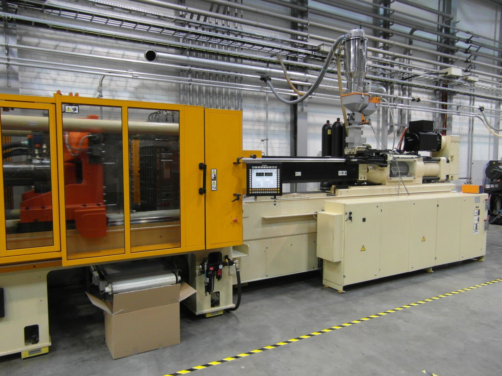 HUSKY injection molding machine H300RS95/85 - Exapro