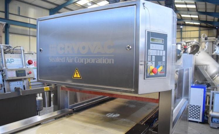 cryovac packaging machine