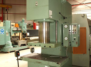 WMW - Zeulenroda PYE 160 S1 hydraulic press