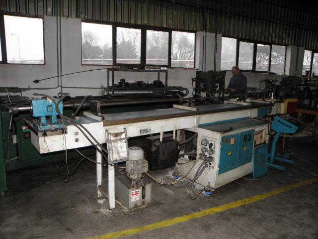 Curvadora de tubo stroj rne piesok xoth 63 tb maquinas de for Curvadora de tubos segunda mano