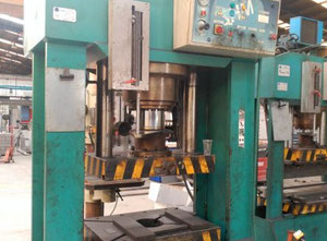 Trunz PHP 220/A30 hydraulic press