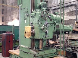 Floor type boring machine