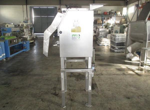 Stroj na sekáni, čištění a blanšírování ovoce a zeleniny Bertuzzi CLF