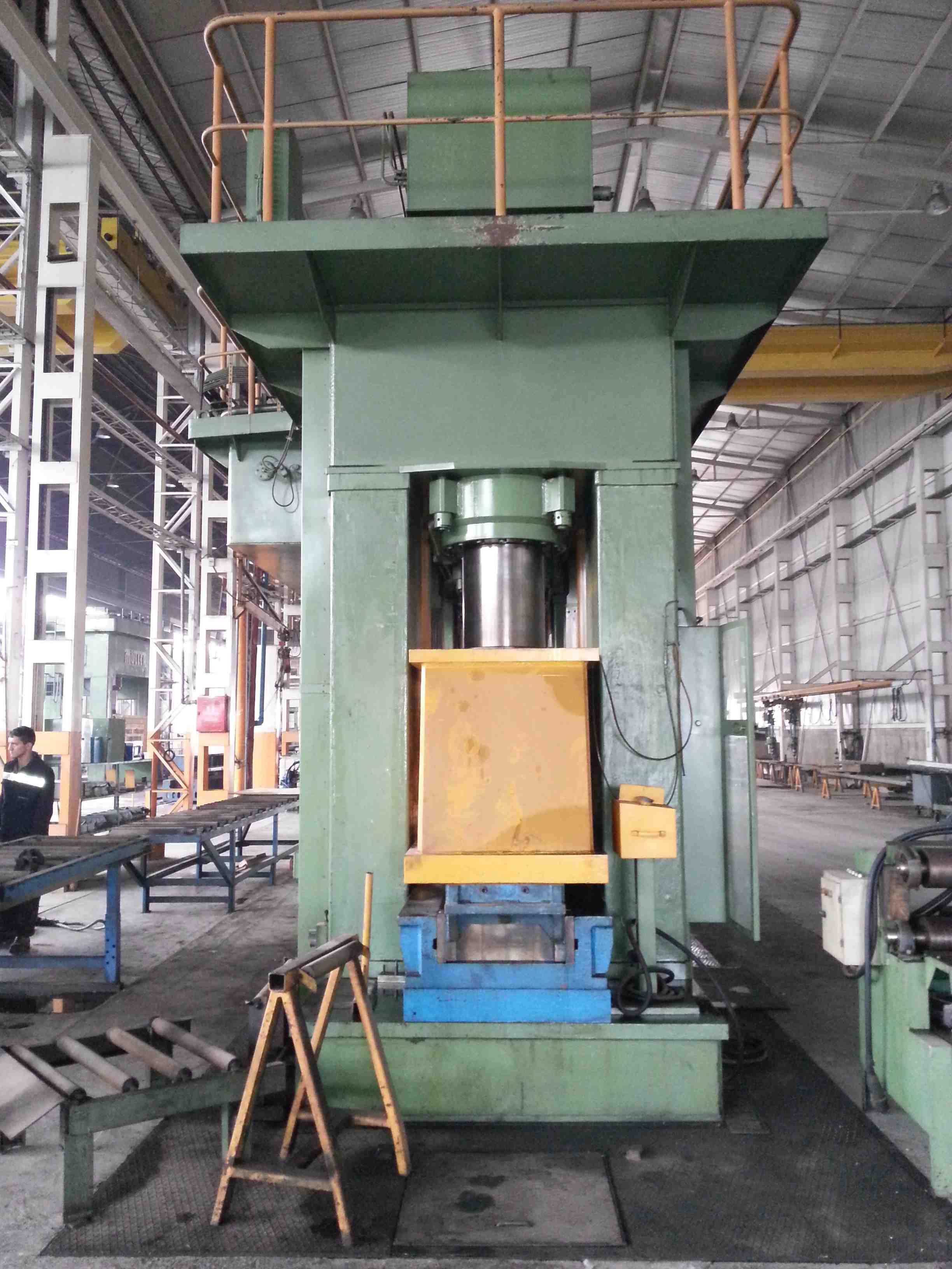 Siempelkamp 2000 Ton Hydraulic press - Exapro