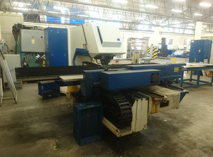 Trumpf Trumatic 2000 R Punching machine / nibbling machine with CNC
