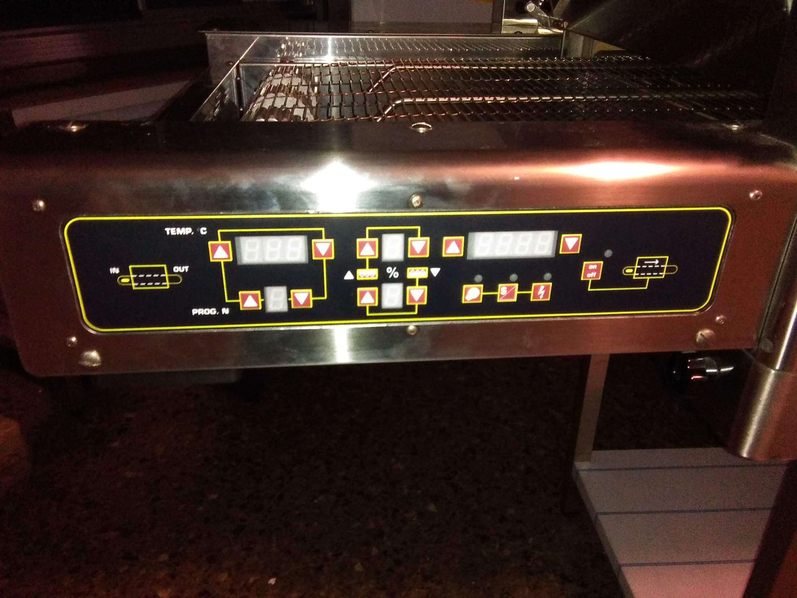 Tunnel de cuisson oem pizza tl 105 machines d 39 occasion for Machine de cuisson