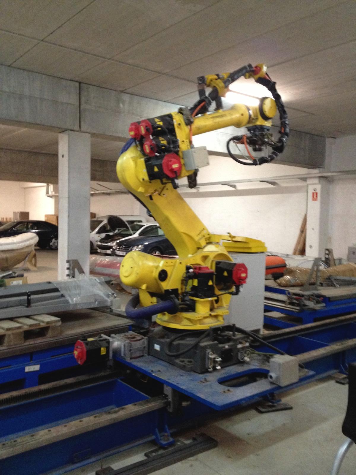 Fanuc R-2000IB Industrial Robot - Exapro