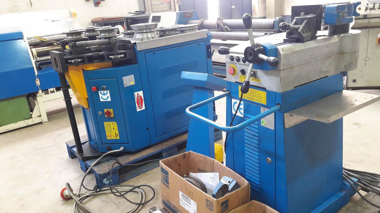 Curvadora de tubo ercolina ce50h2 top bender 50 maquinas for Curvadora de tubos segunda mano