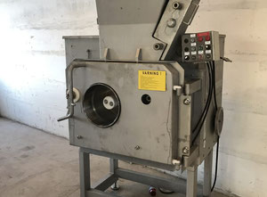 Sepamatic 1400PT Skinning and filleting machine