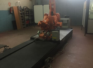 ABB IRB 4400 + Track Industrial Robot
