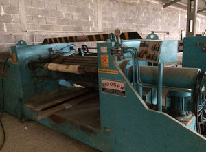 Rotary veneer peeling machine-Furnierschaelmaschine