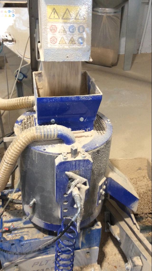 Impianto produzione pellet 4 5 ora completo for Macchinari pellet usati