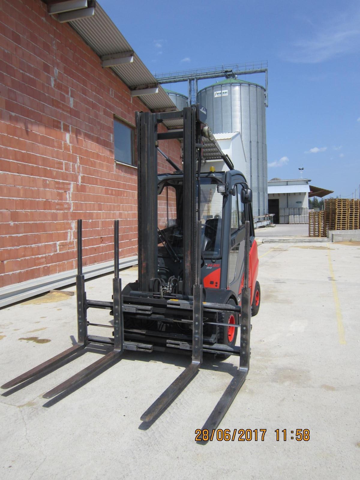 chariot l vateur diesel linde h35d machines d 39 occasion. Black Bedroom Furniture Sets. Home Design Ideas