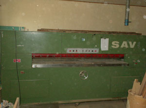 Savi HFK 220 Guillotine for veneer