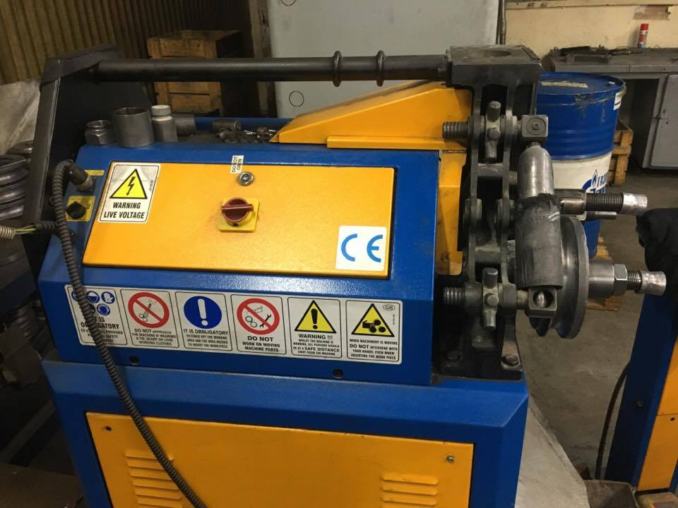 Curvadora de tubo ercolina ce50h3 maquinas de segunda mano for Curvadora de tubos segunda mano