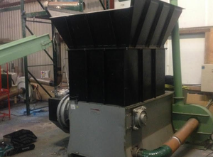 Macchina di riciclaggio di plastica GAZ 102