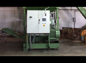 RUF RUF 1100+ Briquetting machine