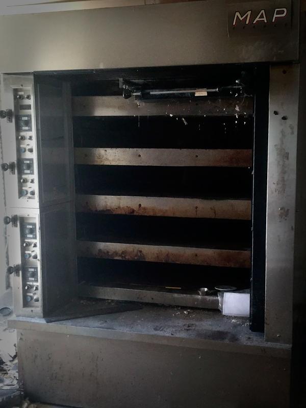 Four a soles 4 3 m2 de cuisson electrique rendu for Machine de cuisson