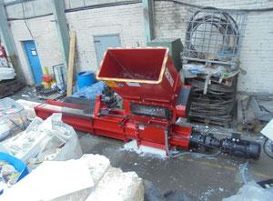 Plastik kırma makinası Runi SK370