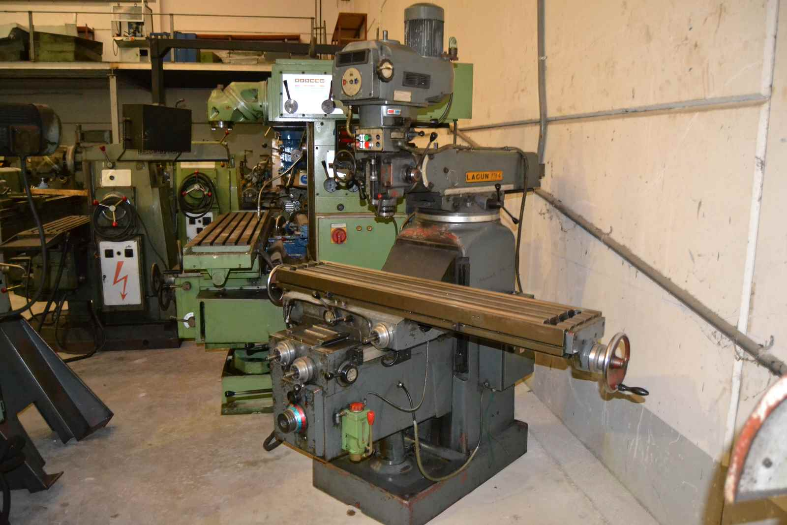 Lagun Ftv-4 Milling Machine