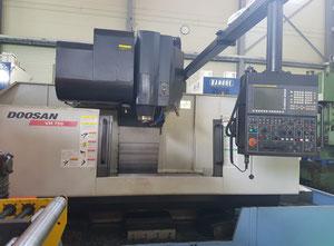 Doosan VM750 Bearbeitungszentrum Vertikal