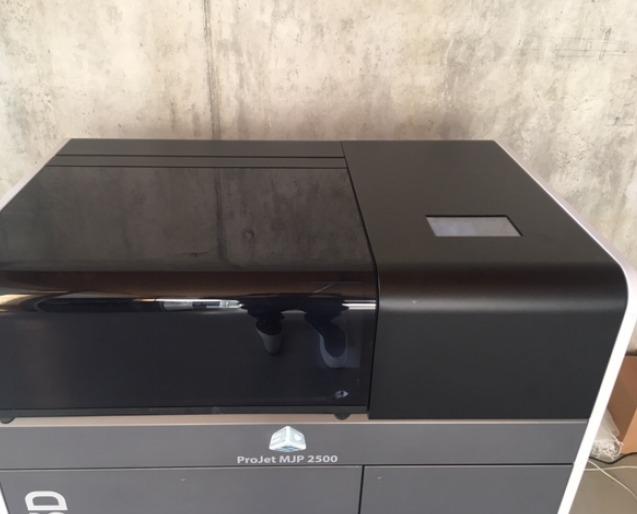 imprimante 3d 3d systems projet mjp 2500 plus machines d. Black Bedroom Furniture Sets. Home Design Ideas