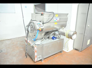 Dominioni Punto & Pasta P200 mixing and extruding press