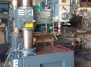 South bend GF50/800 Radial drilling machine