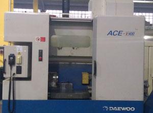 Centro di lavoro verticale Daewoo ACE V-400
