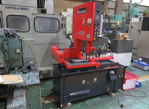AMADA VM-420 band saw for metal